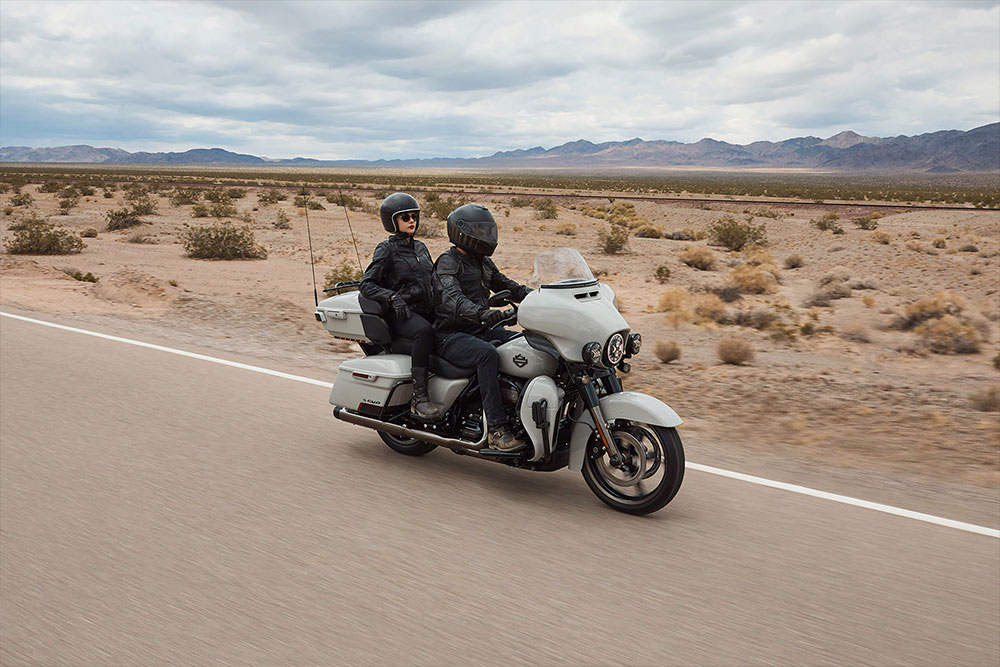 harley-davidson-cvo-limited_feature2