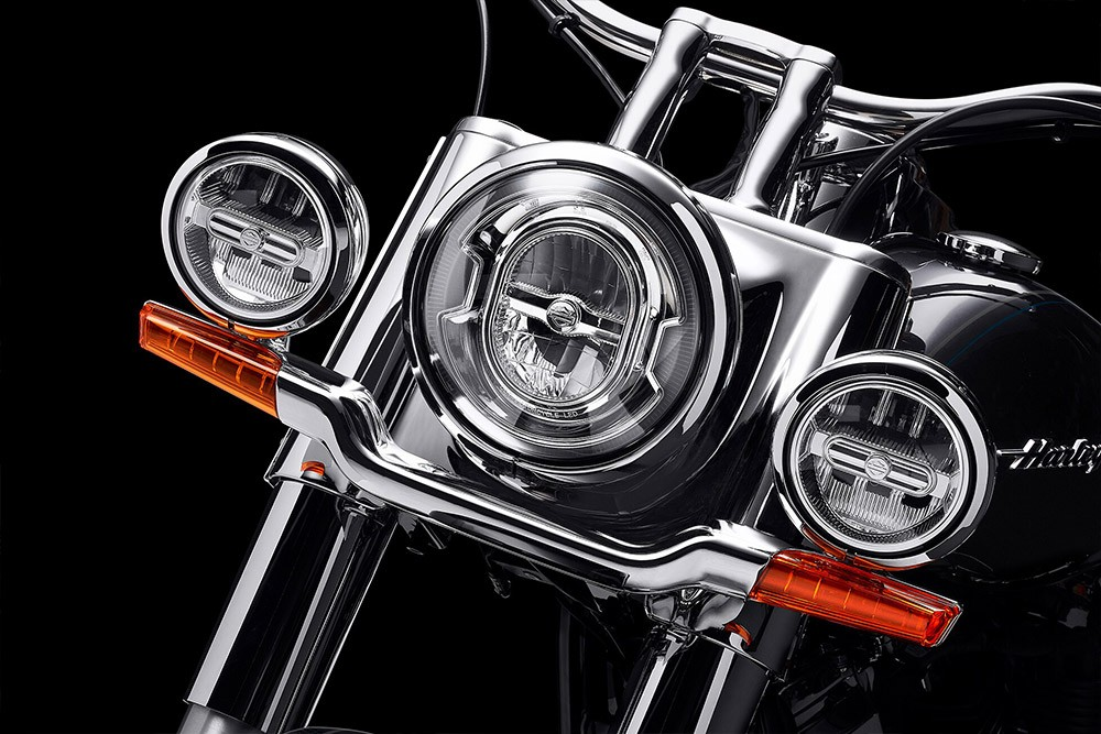 harley-davidson-softail-deluxe_feature4