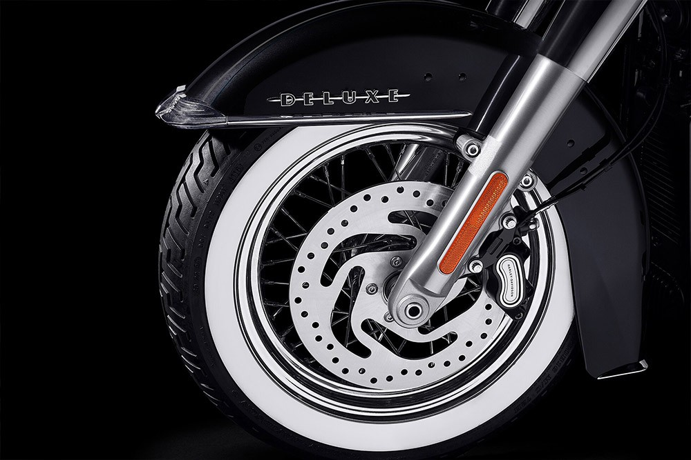 harley-davidson-softail-deluxe_feature7
