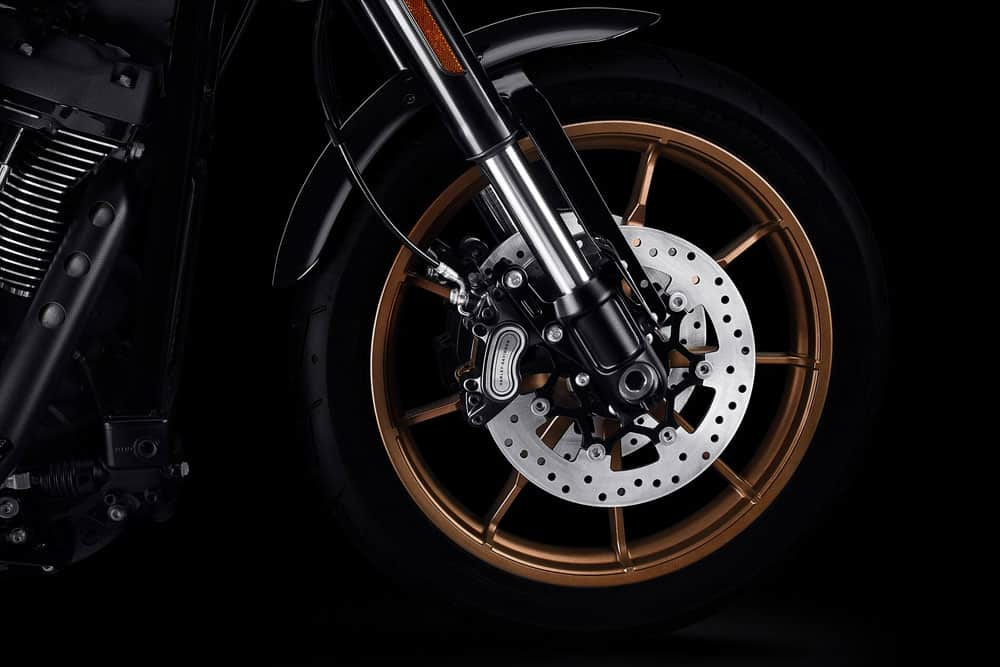 harley-davidson-softail-low-rider-s_feature1