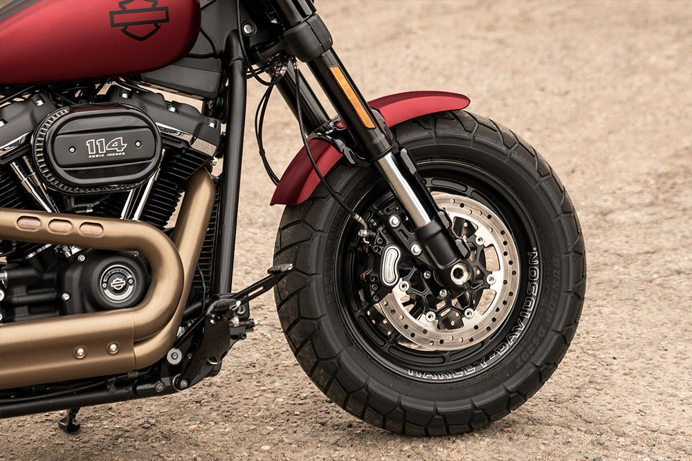 harley-davidson-sportster-iron-883_feature4