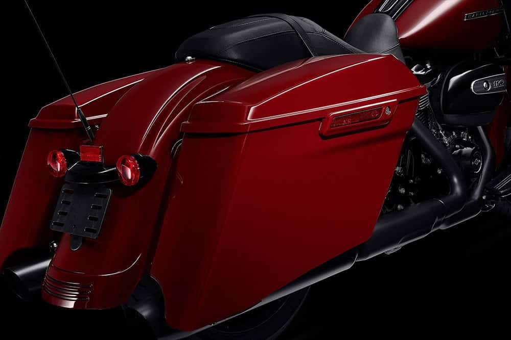 harley-davidson-touring-street-glide-special_feature2