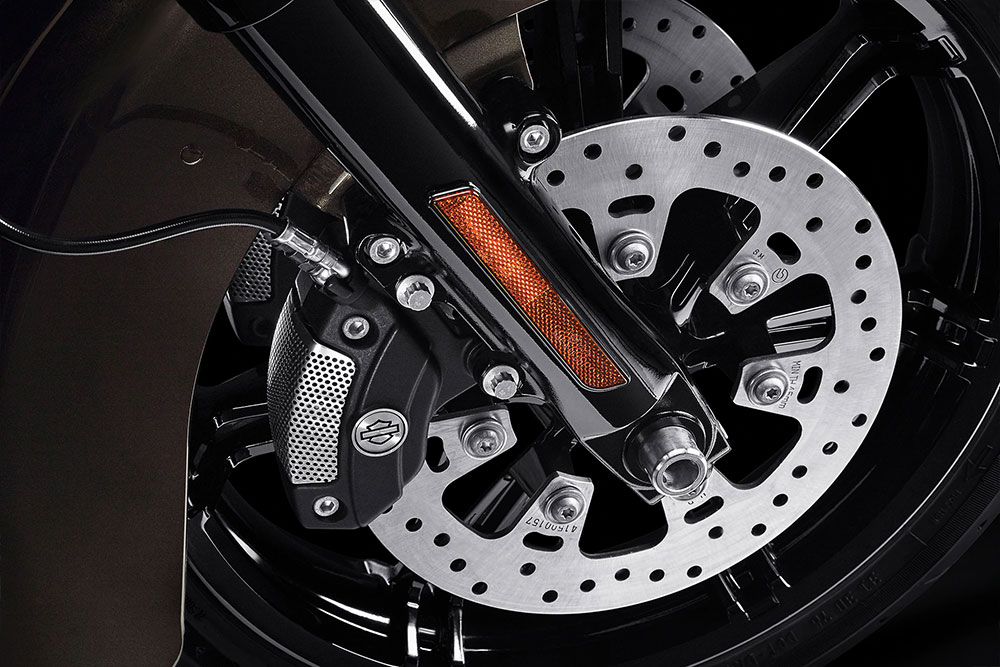 harley-davidson-touring-ultra-limited_feature2